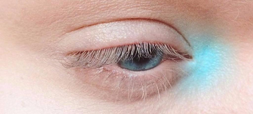 inner eye makeup banner