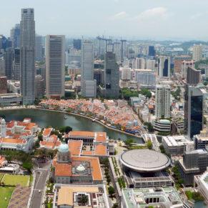 1_Singapore_city_skyline_2010_day_panorama
