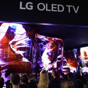 LG_ROLLABLE_TV