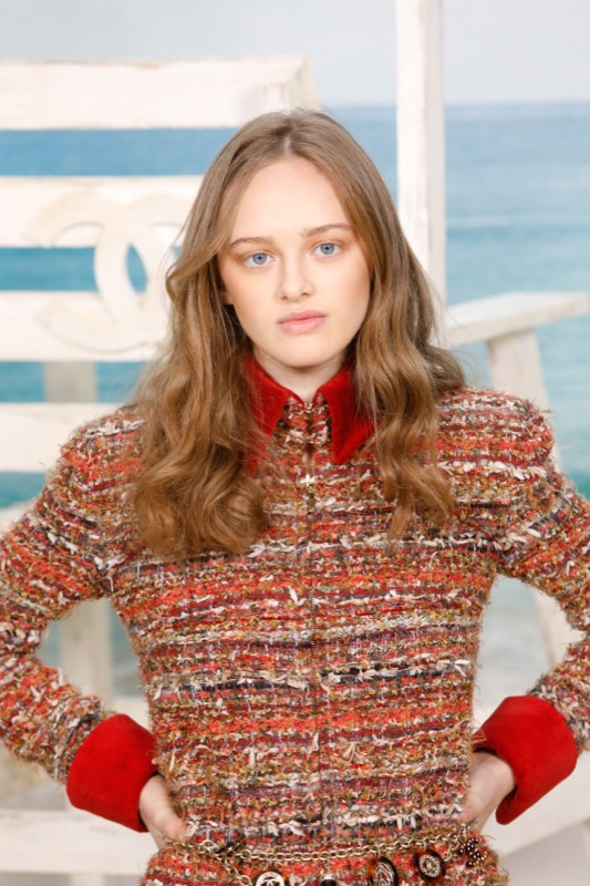 The French model, LILY TAÏEB, wore a brown and orange wool knitted dress, look 30, from the Fall-Winter 2018/19 Ready-to-Wear collection.
