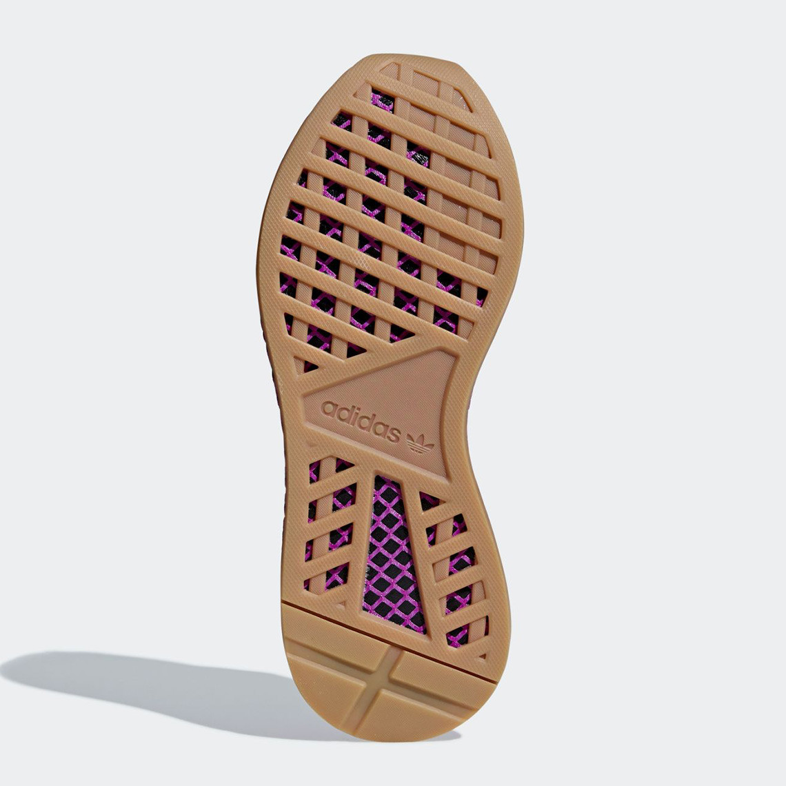 """size 40 01b5c 4d344 And here is the box that the Deerupt """"Son Gohan"""" kicks will be housed in."""