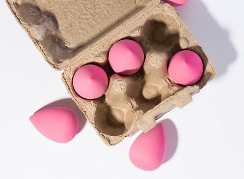 Blending Egg Beauty Sponges (USD$18)
