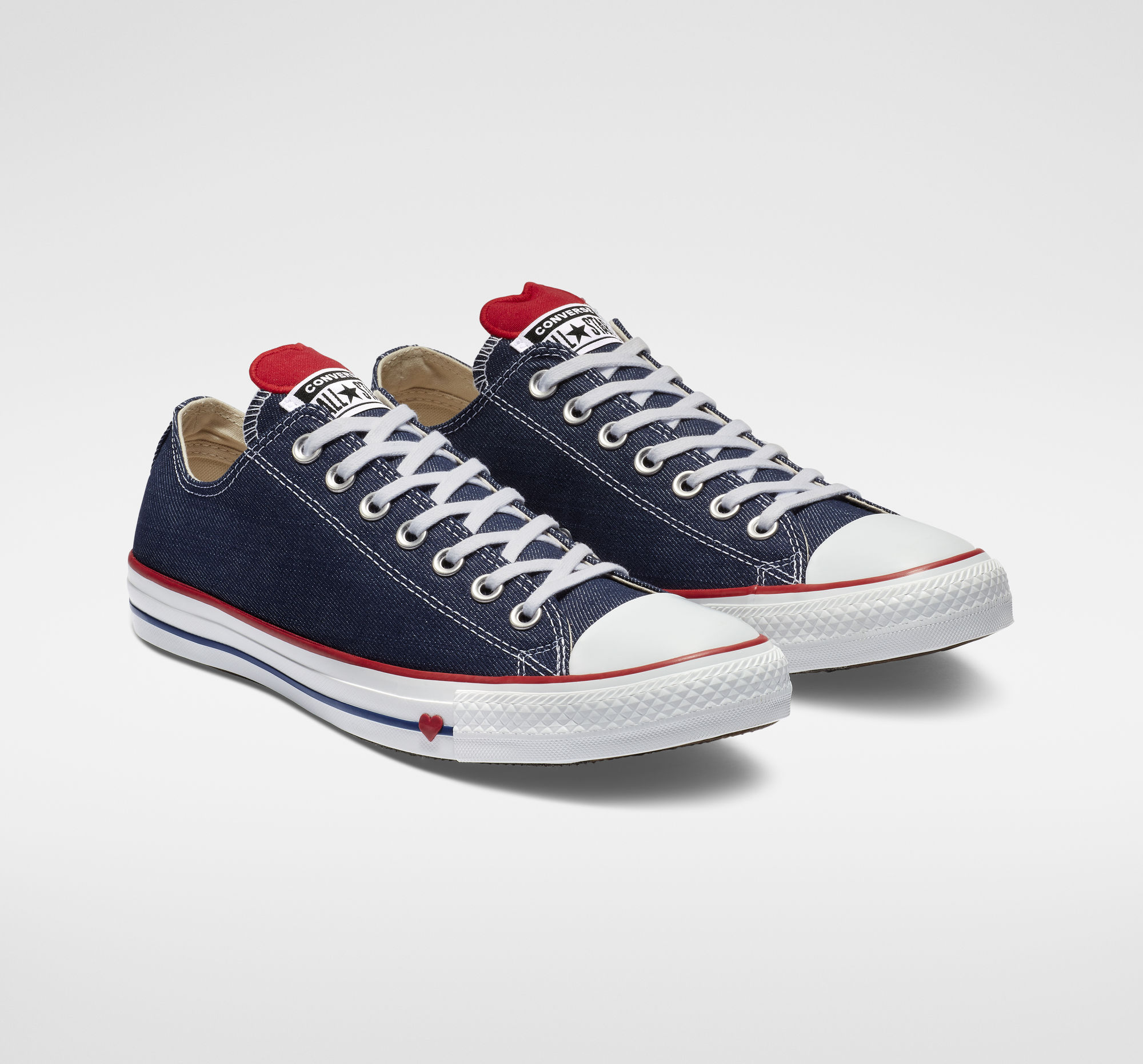 Chuck Taylor All Star Denim Love Low Top in Indigo/Enamel Red/White