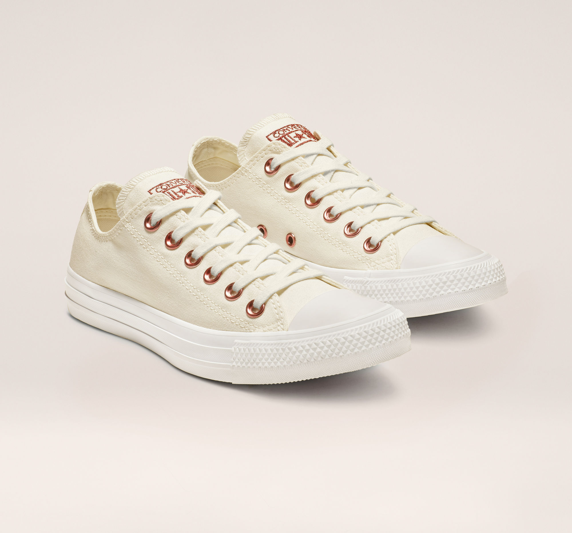 Chuck Taylor All Stars Hearts Low Top in Egret/Rhubarb/White