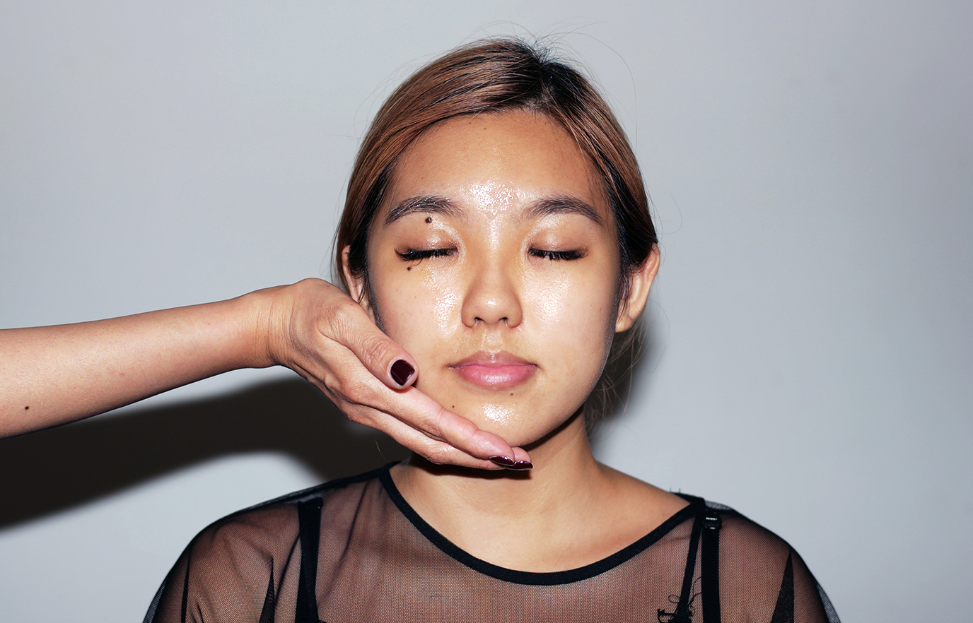 5. It ends with a facial massage to reveal that youthful radiance on the skin