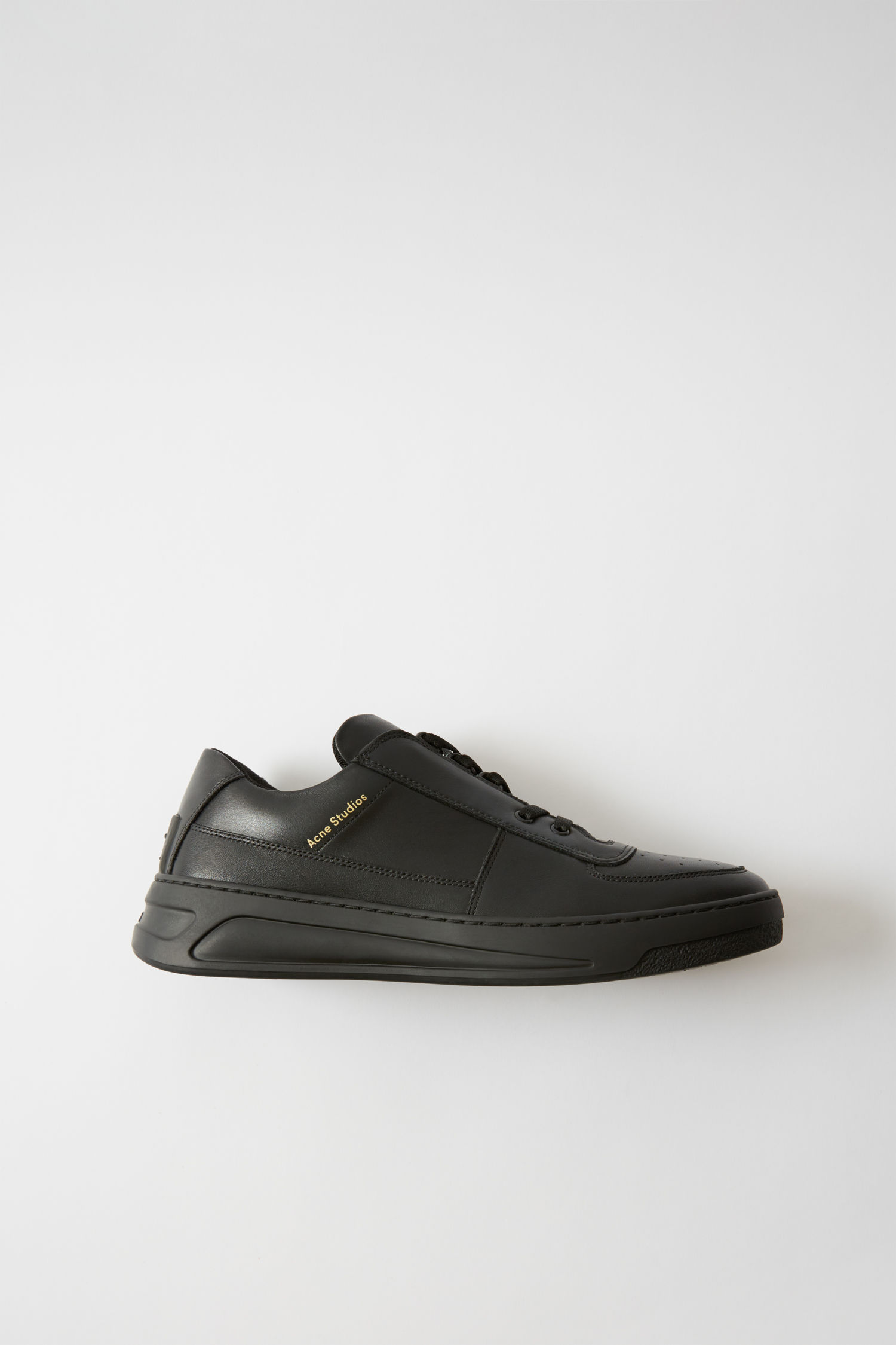 Acne Studios Perey Lace Up in black/black (€320)