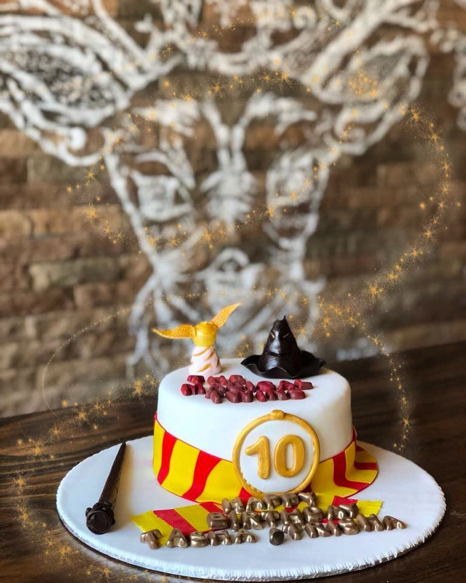 Harry Potter Inspired Cakes (Available for preorder)