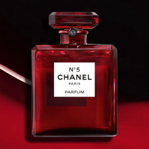 Another CHANEL Pop-Up is headed your way and this time it's like a beauty laboratory!